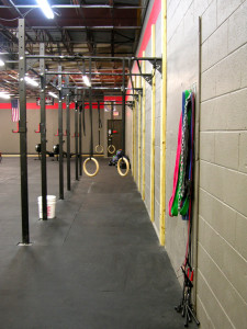 Pull-up bar rig, with rings and multiple bar thickness